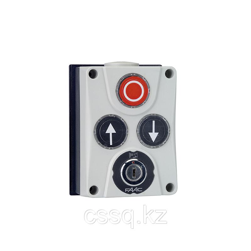 402500 Панель управления XB300 3х кнопочная с ключом, настенный монтаж