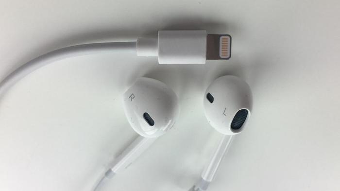 Наушники-вкладыши проводные для 7 Айфона Bluetooth, штекер Lighting