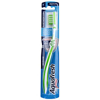 Зубная щетка Aquafresh In Between Clean Средняя