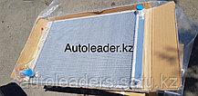 Радиатор охлаждения на Toyota Sienna 2003-2008