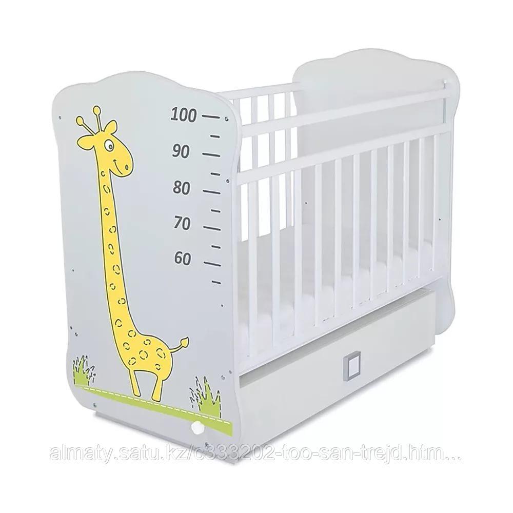 Детская кровать с ростомером Жираф,цвет белый(жираф цветной)