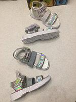 Стильные детские босоножки Серебро