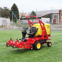 Машина для уборки травы на спортплощадках Gianni Ferrari PGS 230 Synthetic 23 л.с.