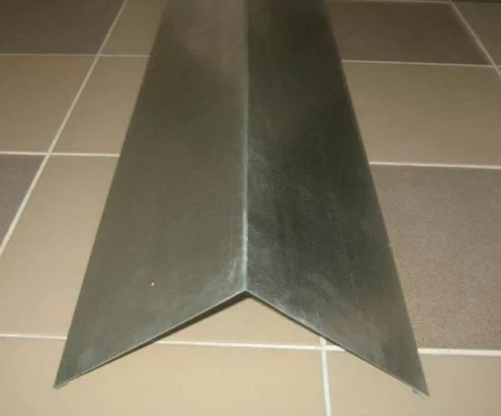 Планка конька плоского 140x140x2000  оцинкованный