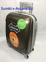 Маленький пластиковый дорожный чемодан на 4-х колесах Longstar. Высота 53 см,ширина 33 см, глубина 21 см., фото 1