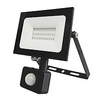 LED ПРОЖЕКТОР SENSOR 50W 3750Lm 200x210x33 6500K IP44 MEGALIGHT (20)
