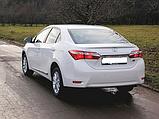 Крышка багажника с герметиком на Toyota Corolla 2013-16 гг., фото 2