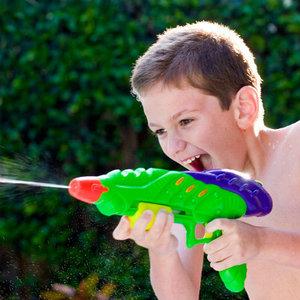 игрушечные пистолеты, арбалеты и сабли