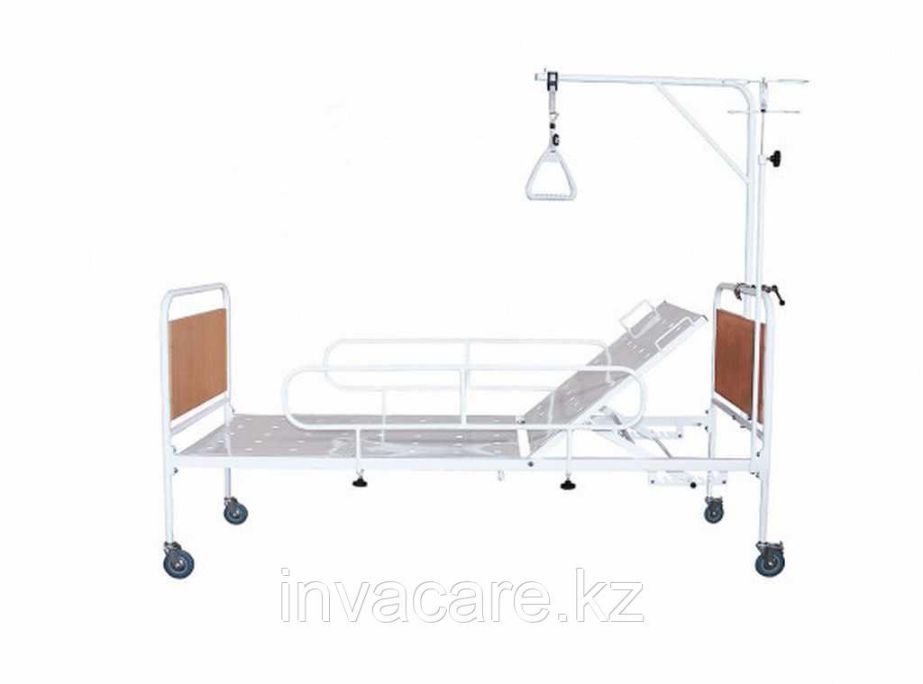 Кровать медицинская функциональная с регулируемой по углу наклона головной секцией, КМФ-01(колесах d.125,со съемными колесными парами, 2 кол. С торм.;
