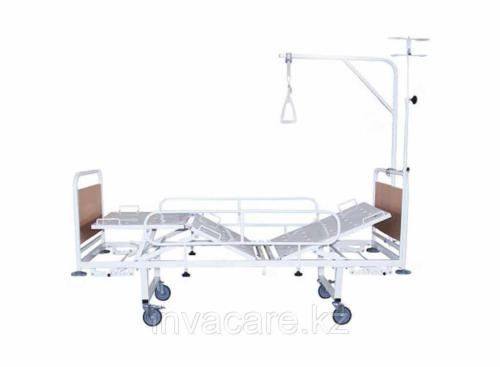 Кровать медицинская функциональная трехсекционная КМФ3-01 с механическим регулированием углов наклона секций(