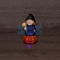 Керамическая фигурка «Ведьма на тыкве» 8х8х14.8 см