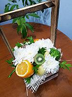 Фруктово-цветочная корзина