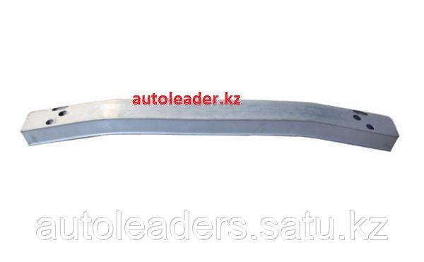 Усилитель переднего бампера на Toyota Highlander 2011-2013
