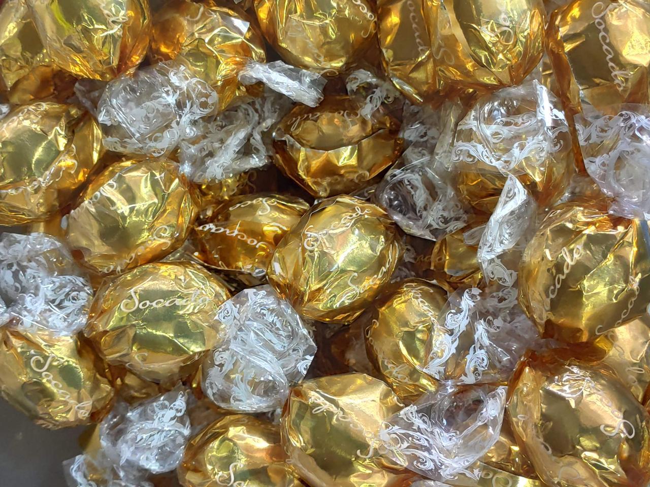 Шоколадные конфеты Socado (Золотые)  1кг