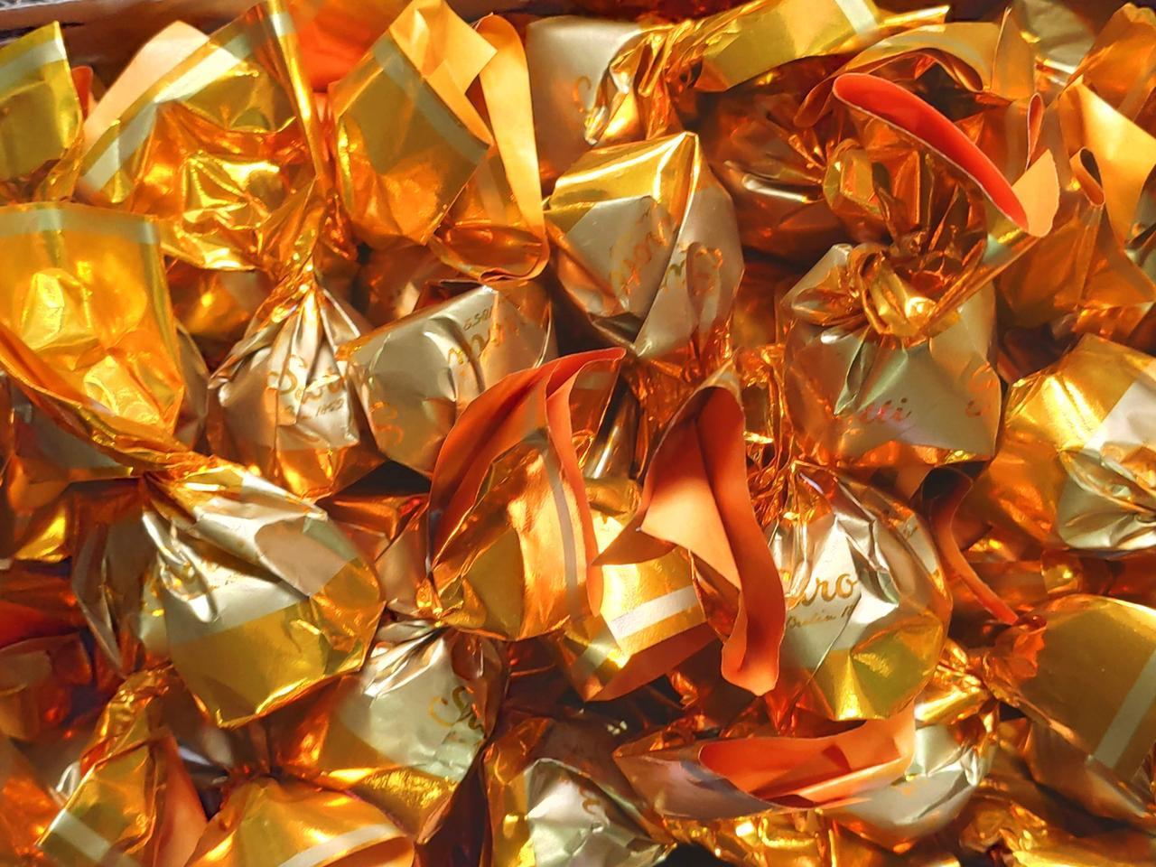 Шоколадные конфеты Sarotti (Золотые)  1кг