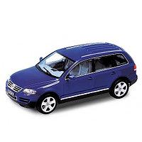 1/18 Welly Коллекционная модель Volkswagen Touareg