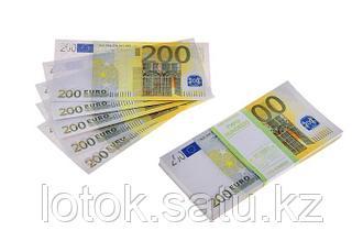 Пачка сувенирных бутафорских купюр 200 евро
