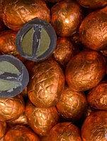 Шоколадные яйца с карамельной начинкой(Золотые) 1кг