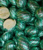 Шоколадные яйца белый шоколад (Зелёные с полоской)1кг
