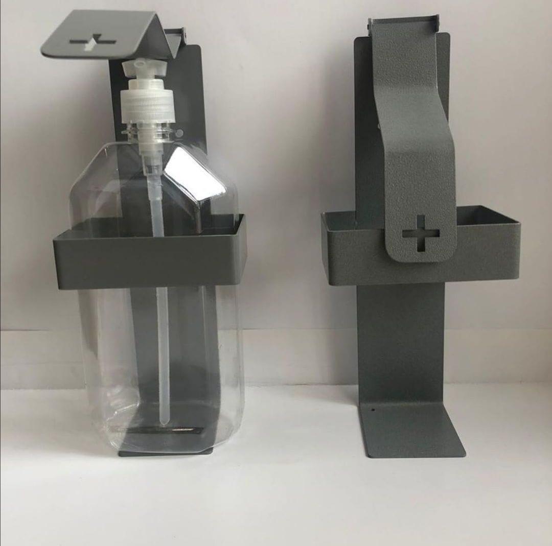Дозирующее устройство для антисептических средств с локтевым приводом
