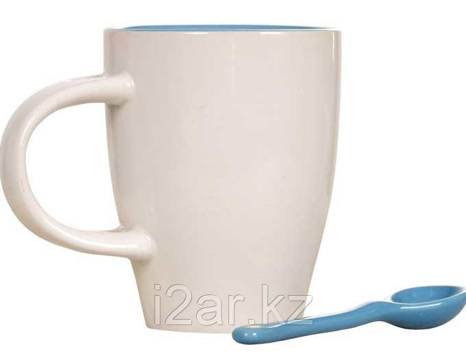 Кружка керамическая белая с голубой ложечкой