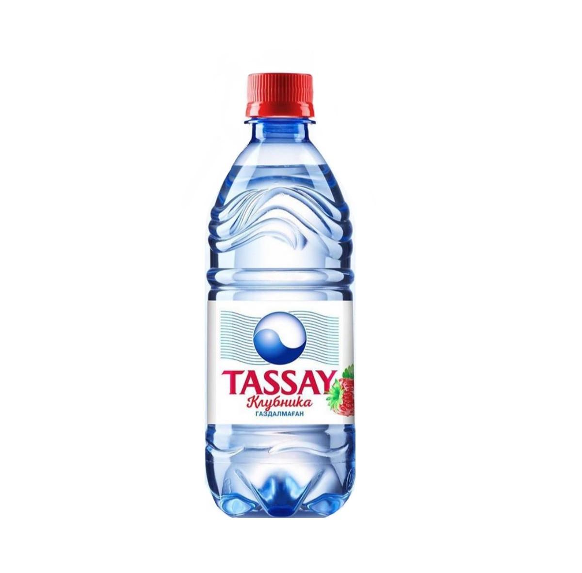 Вода негазированная питьевая Tassay клубника без газа 0,5 л