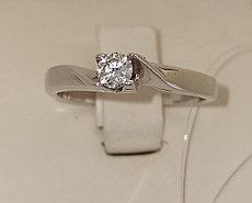 Золотое кольцо с бриллиантом / 18 размер