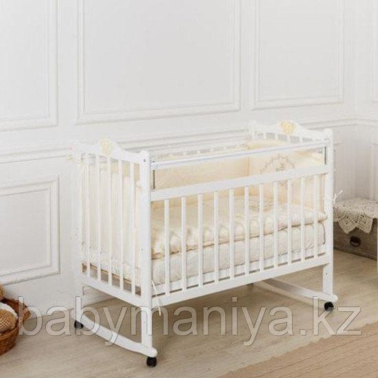 Кровать детская Incanto  Pali с мишкой колесо-качалка белый
