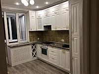 Кухонный гарнитур угловой. Белый. Неоклассика. 3*2