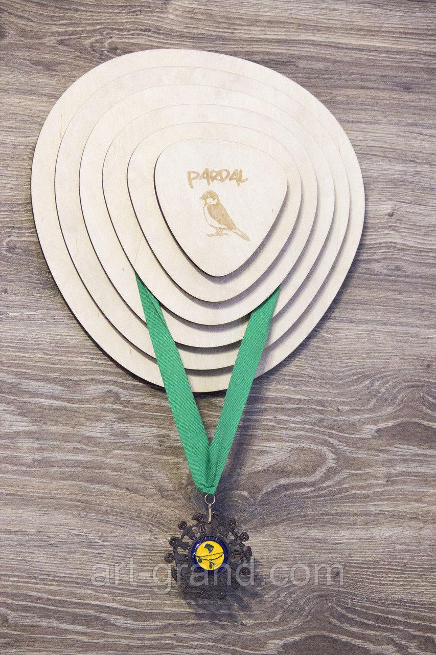 Изготовление медальниц