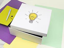 """Подарочная коробка """"Лампочка"""". Размер: 25*25*9"""