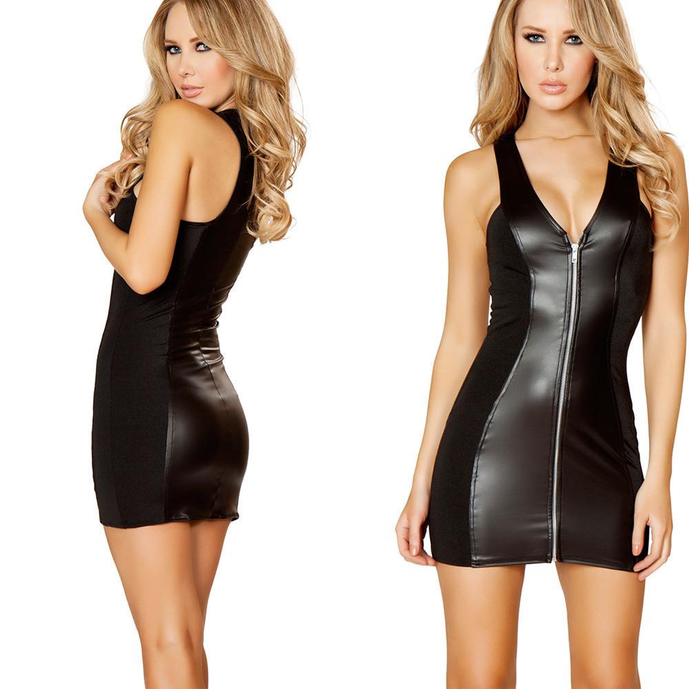 Чёрное платье на замочке