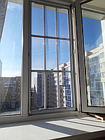 Решетка на окна и москитная сетка два в одном.