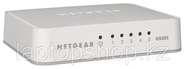 Свич Netgear (GS205-100PES)