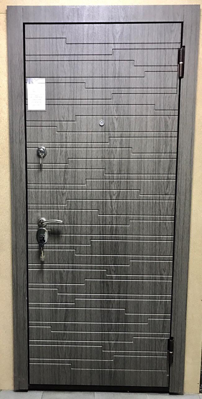Дверь входная металлическая утепленная ДС 567 вулкан дуб