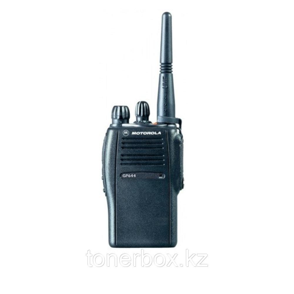 Носимая рация Motorola GP644