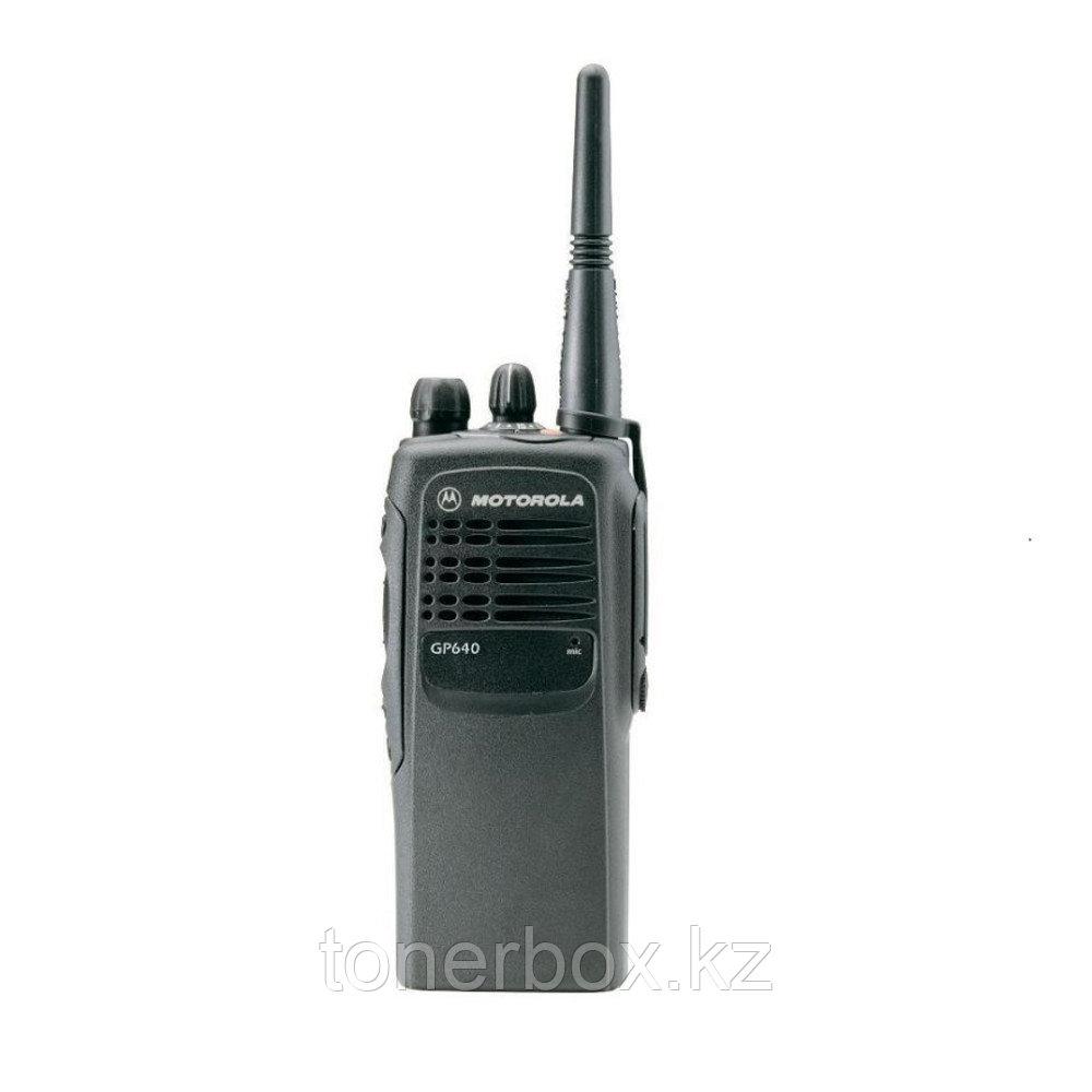 Носимая рация Motorola GP640
