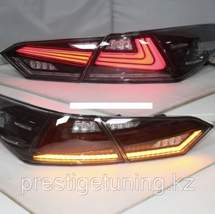 Задние фонари на Camry V70 2018- Lexus style Черный оттенок