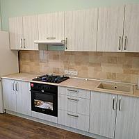Кухня прямая. На заказ. Комбинированная (два цвета). 3 м.
