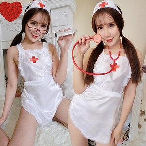 Шаловливая медсестра.
