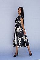Платье черное с цветочным принтом. 52