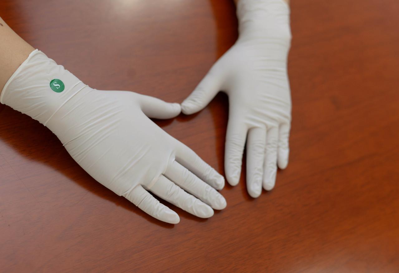 """Перчатки текстурированные латексные """"Panagloves"""" 50 пар размер M(7-8) - фото 4"""