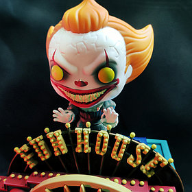 Набор Funko Pennywise with Funhouse
