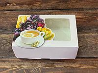 Коробка цветы с окошком для пироженного