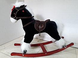Классная музыкальная лошадка-качалка для детей.