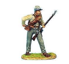 Коллекционный солдатик, Гражданская война США, Пехотинец 13-го Алабамского полка, готовит порох