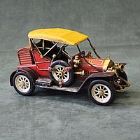 Автомобиль ретро. Коллекционная модель из металла.