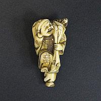 Дайкоку - один из семи богов счастья. Бог богатства и достатка.