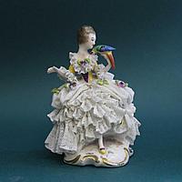 Дама с попугаем Фарфоровая мануфактура Аккерманн и Фритц