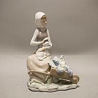 Девочка с ягненком. Фарфоровая мануфактура Lladro
